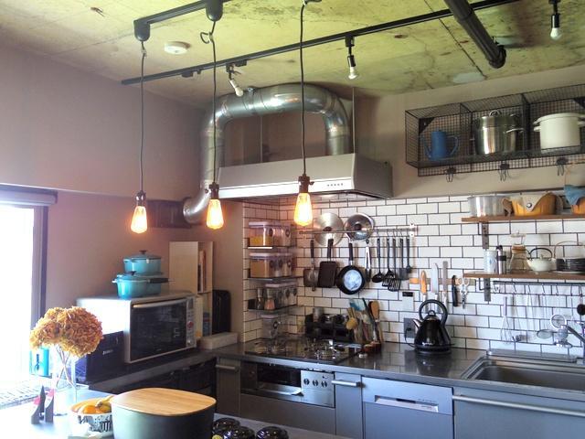 ブルックリンのカフェを彷彿とさせるインテリア空間!